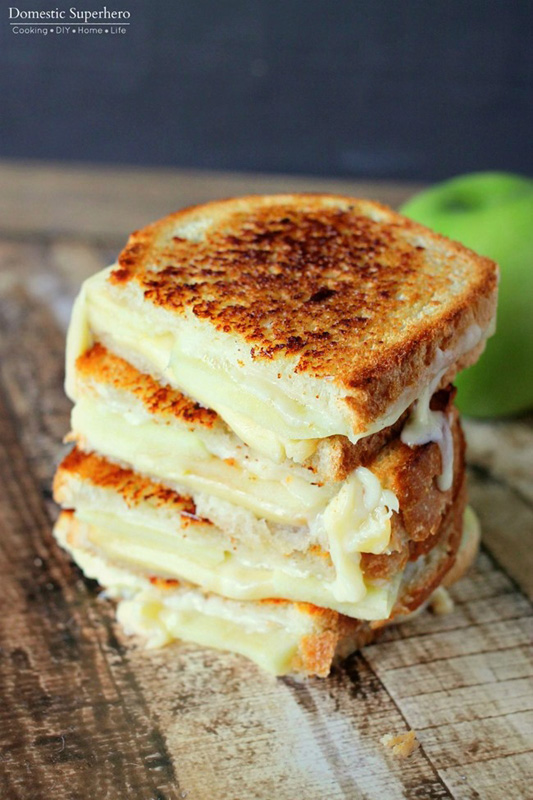 Apple Gouda Grilled Cheese | 25+ Grilled Cheese Recipes