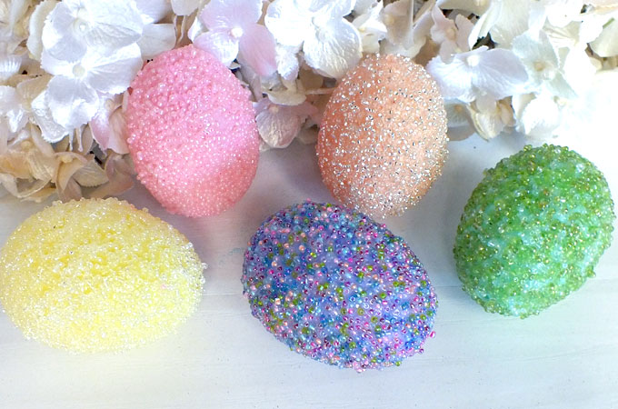 Beaded Easter Eggs | 25+ MORE ways to decorate Easter Eggs