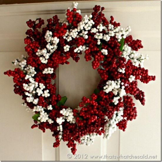 Berry Wreath | 25+ MORE Beautiful Christmas Wreaths