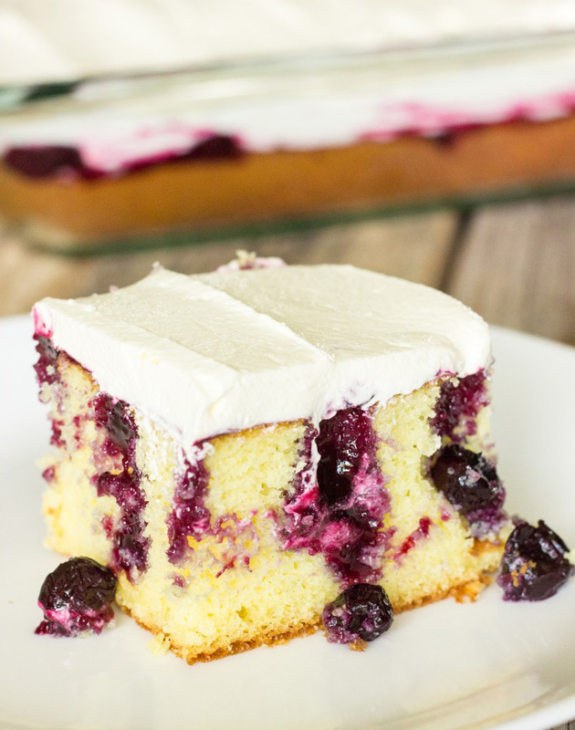 Blueberry Lemon Poke Cake | 25+ Poke Cake Recipes