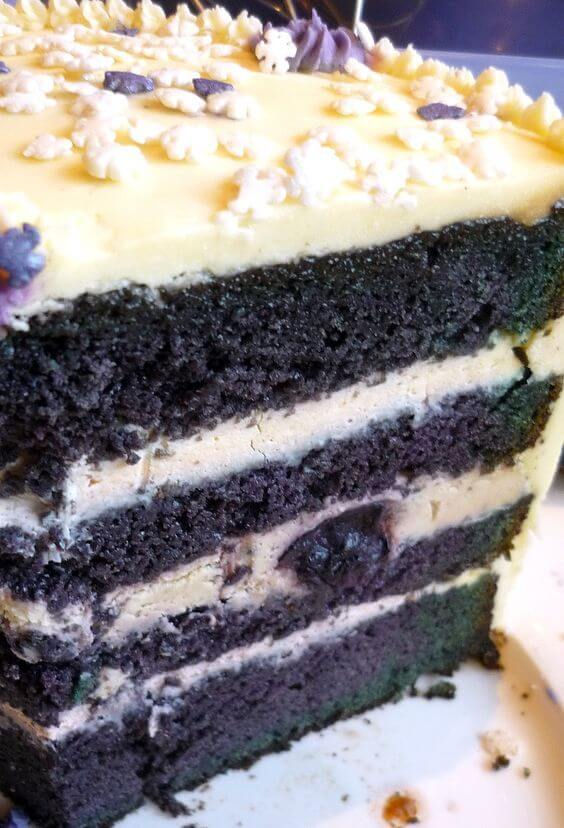 Blueberry Velvet Cake + 50 Delicious Berry Recipes... refreshingly sweet treats that you can enjoy all summer long!