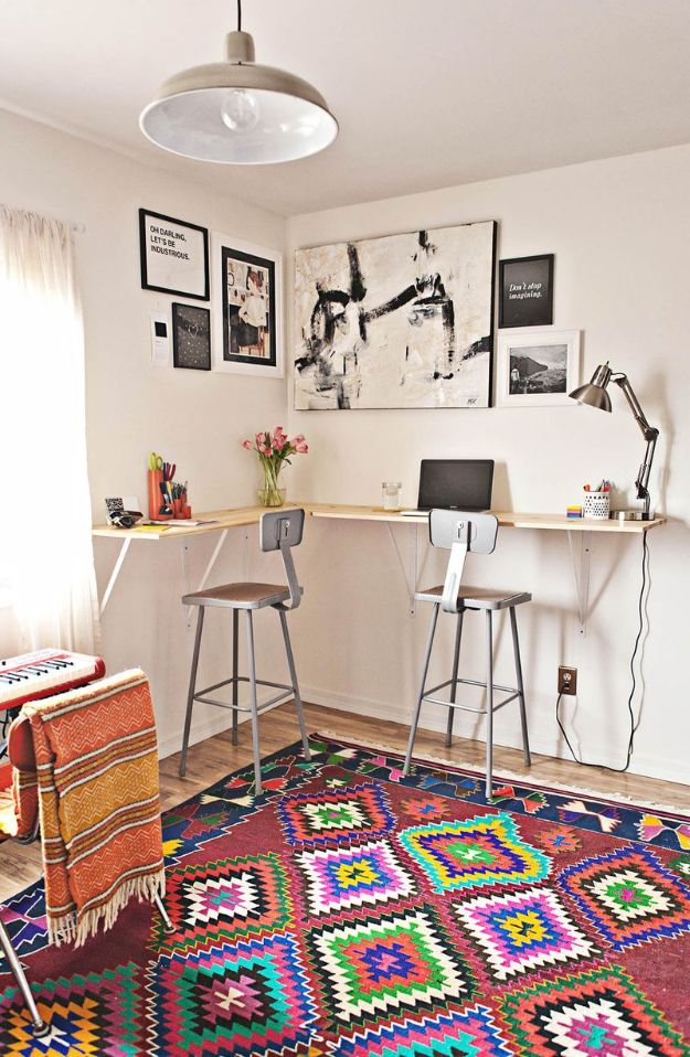 15 DIY Desks That Really Work For Your Home Office - Home Office Design, Home office, diy home office, DIY Desks, DIY Desk Organizers, DIY Desk