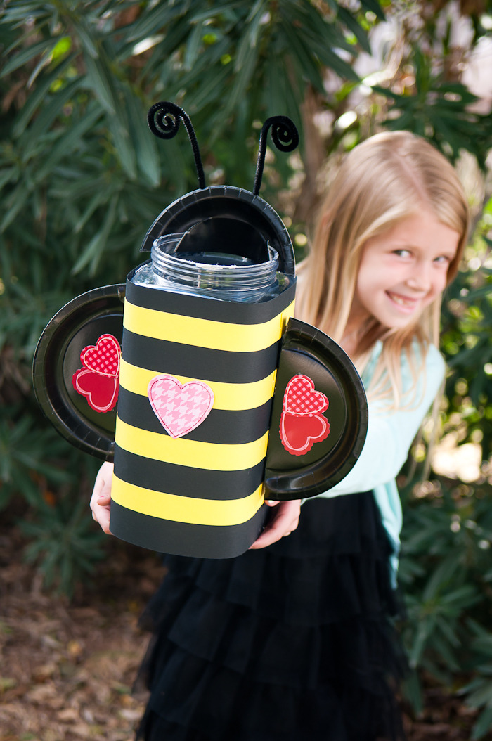 Bumble Bee Valentine's Day Box | 25+ Valentine Boxes for Girls