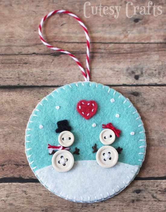 17 Easy DIY Christmas Tree Ornaments Your Kids Will Love