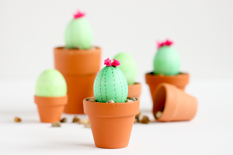 Cactus Easter Eggs | 25+ MORE ways to decorate Easter Eggs