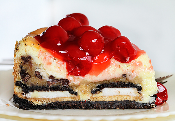 Cherry Cheesecake with Oreos and Chocolate Chip Cookies | 25+ Cheesecake Recipes