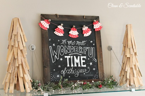 Christmas chalkboard | 25+ easy DIY Christmas decor