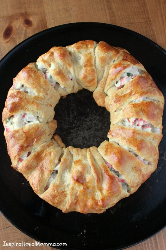 Crab and Cream Cheese Ring   25+ Food Party Ring Ideas