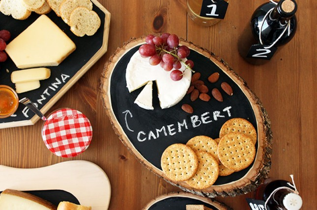 DIY Chalk board cheese tray | 25+ More Handmade Gift Ideas Under $5