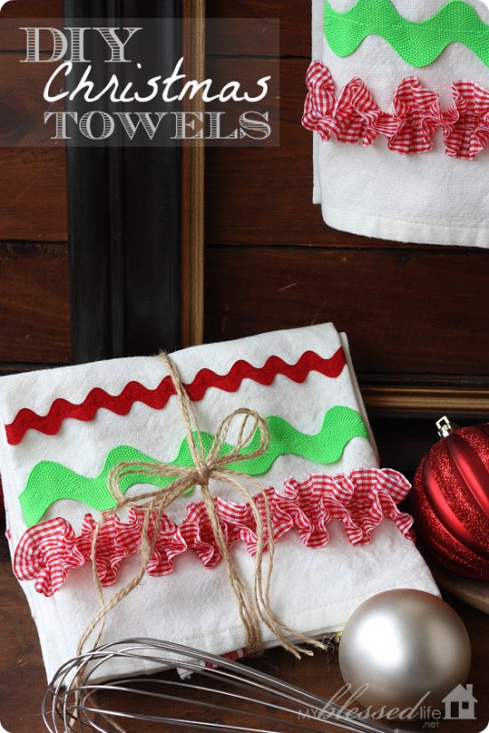 DIY Christmas Kitchen Towels | 25+ More Handmade Gift Ideas Under $5