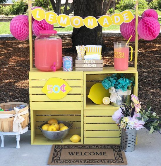 DIY Crate Lemonade Stand | 25+ Lemonade Stand Ideas