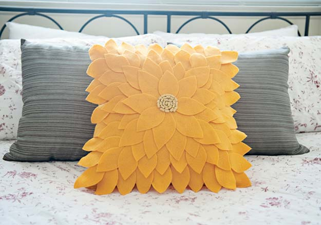 Felt Sunflower DIY Pillow