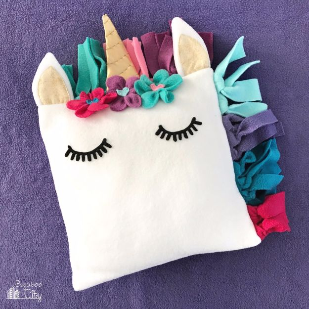 DIY Ideas With Unicorns - DIY Fleece Unicorn Pillow - Cute and Easy DIY Projects for Unicorn Lovers - Wall and Home Decor Projects, Things To Make and Sell on Etsy - Quick Gifts to Make for Friends and Family - Homemade No Sew Projects and Pillows - Fun Jewelry, Desk Decor Cool Clothes and Accessories http://diyprojectsforteens.com/diy-ideas-unicorns