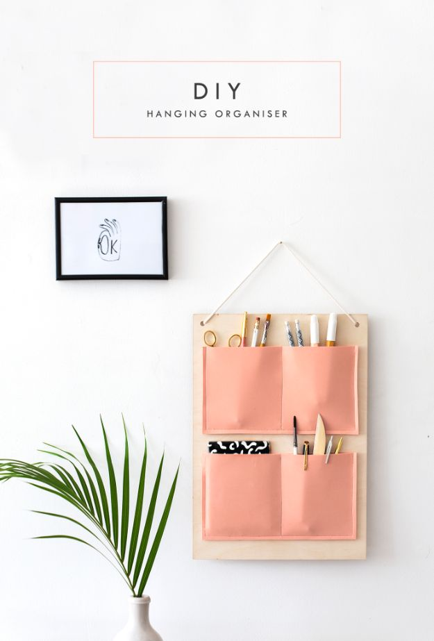 DIY School Supplies - DIY Hanging Organizer - Easy Crafts and Do It Yourself Ideas for Back To School - Pencils, Notebooks, Backpacks and Fun Gear for Going Back To Class - Creative DIY Projects for Cheap School Supplies - Cute Crafts for Teens and Kids http://diyprojectsforteens.com/diy-back-to-school-supplies