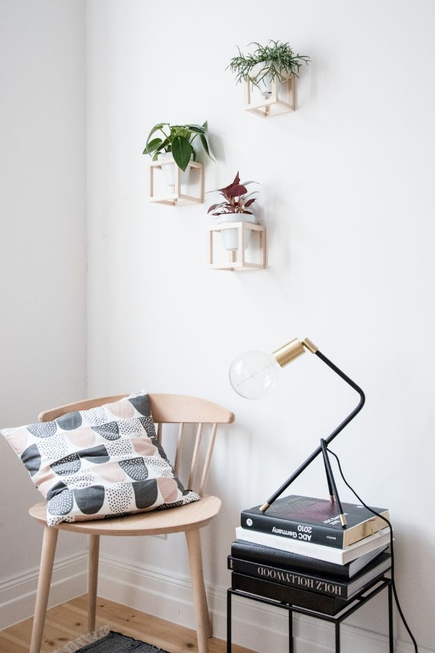Cheap Wall Decor Ideas - DIY Hanging Plant Holder - Cute and Easy Room Decor for Teens - Ideas for Teenager Bedroom Walls - Boys and Girls Room Canvas Wall Art and Decorating #teen #roomdecor #diydecor https://diyprojectsforteens.com/cheap-diy-wall-decor-ideas