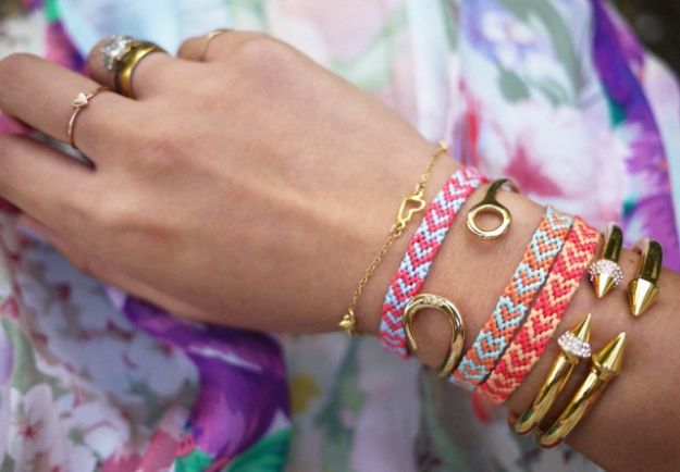 DIY Friendship Bracelets - DIY Heart Friendship Bracelet - Woven, Beaded, Leather and String - Cheap Embroidery Thread Ideas - DIY gifts for Teens