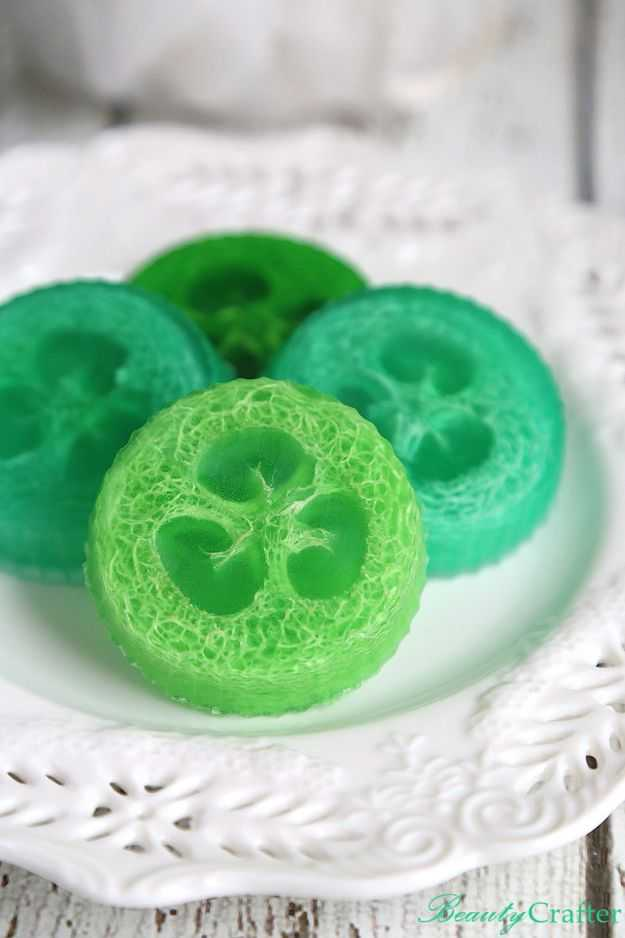 Soap Recipes DIY - DIY Loofah Soap - DIY Soap Recipe Ideas - Best Soap Tutorials for Soap Making Without Lye - Easy Cold Process Melt and Pour Tips for Beginners - Crockpot, Essential Oils, Homemade Natural Soaps and Products - Creative Crafts and DIY for Teens, Kids and Adults http://diyprojectsforteens.com/cool-soap-recipes