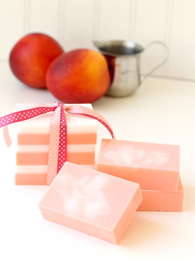 Soap Recipes DIY - DIY Peaches Cream Soap - DIY Soap Recipe Ideas - Best Soap Tutorials for Soap Making Without Lye - Easy Cold Process Melt and Pour Tips for Beginners - Crockpot, Essential Oils, Homemade Natural Soaps and Products - Creative Crafts and DIY for Teens, Kids and Adults http://diyprojectsforteens.com/cool-soap-recipes