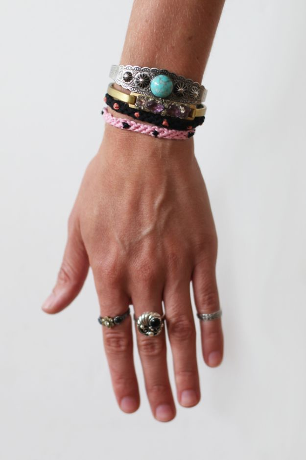 DIY Friendship Bracelets - DIY Polka Dot Friendship Bracelet - Woven, Beaded, Leather and String - Cheap Embroidery Thread Ideas - DIY gifts for Teens
