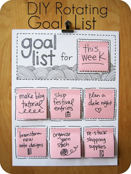 DIY Rotating Goal List | 25+ Post It Note DIY Ideas