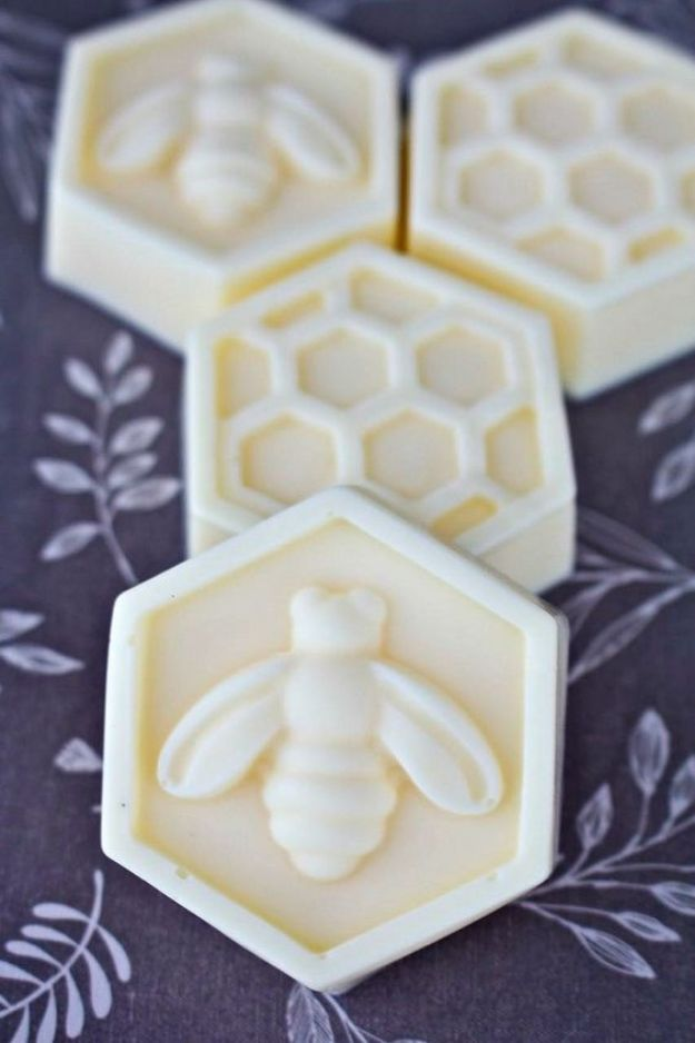 Soap Recipes DIY - DIY Scented Bee Soaps - DIY Soap Recipe Ideas - Best Soap Tutorials for Soap Making Without Lye - Easy Cold Process Melt and Pour Tips for Beginners - Crockpot, Essential Oils, Homemade Natural Soaps and Products - Creative Crafts and DIY for Teens, Kids and Adults http://diyprojectsforteens.com/cool-soap-recipes