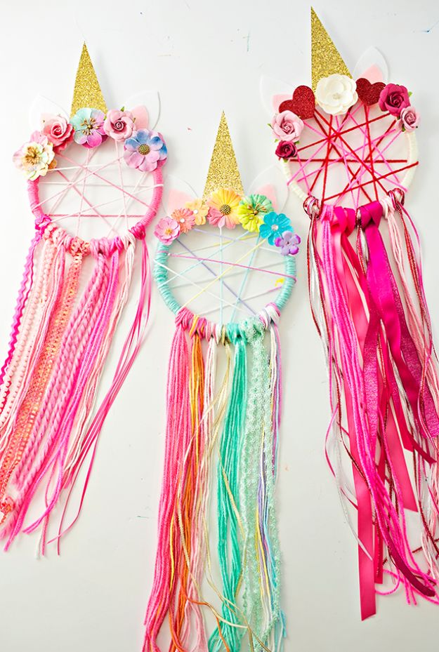 DIY Dream Catchers - DIY Unicorn Dreamcatchers - How to Make a Dreamcatcher Step by Step Tutorial - Easy Ideas for Dream Catcher for Kids Room - Make a Mobile, Moon Designs, Pattern Ideas, Boho Dreamcatcher With Sticks, Cool Wall Hangings for Teen Rooms - Cheap Home Decor Ideas on A Budget http://diyprojectsforteens.com/diy-dreamcatchers
