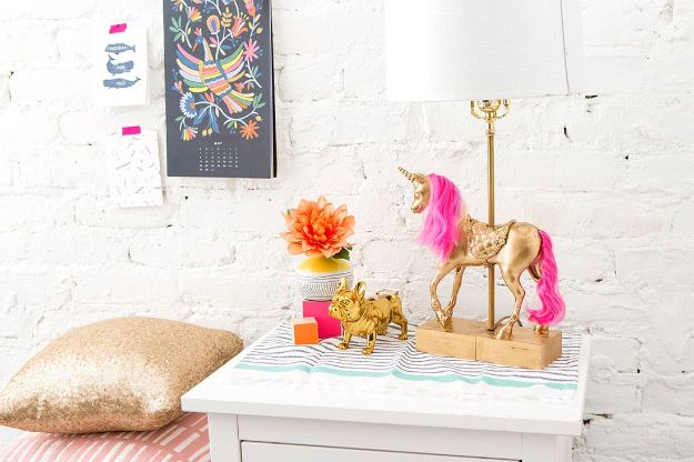 DIY Ideas With Unicorns - DIY Unicorn Lamp - Cute and Easy DIY Projects for Unicorn Lovers - Wall and Home Decor Projects, Things To Make and Sell on Etsy - Quick Gifts to Make for Friends and Family - Homemade No Sew Projects and Pillows - Fun Jewelry, Desk Decor Cool Clothes and Accessories http://diyprojectsforteens.com/diy-ideas-unicorns
