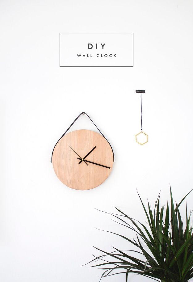 Cheap Wall Decor Ideas - DIY Wall Clock - Cute and Easy Room Decor for Teens - Ideas for Teenager Bedroom Walls - Boys and Girls Room Canvas Wall Art and Decorating #teen #roomdecor #diydecor https://diyprojectsforteens.com/cheap-diy-wall-decor-ideas