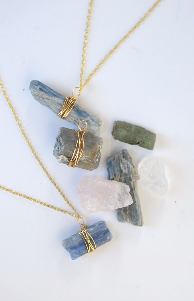 DIY Wire Wrapped Stone Necklace