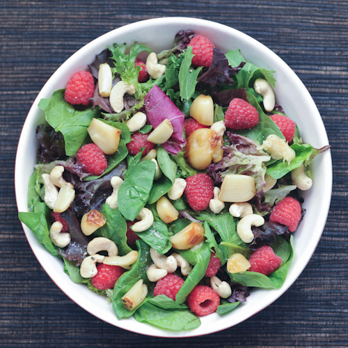 roasted garlic and raspberry salad | 25+ delicious salad recipes