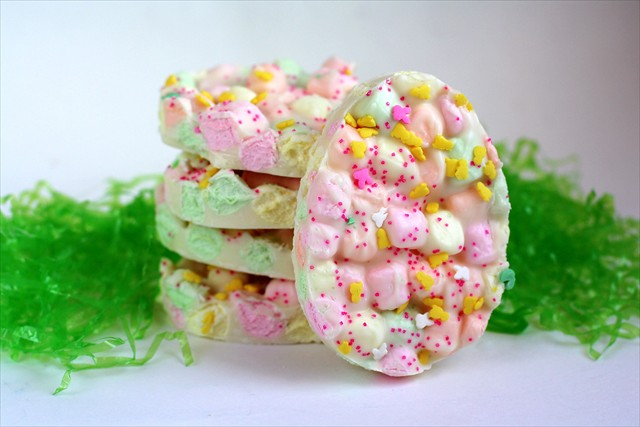 Easter Marshmallow Bark | 25+ Easter sweet treats