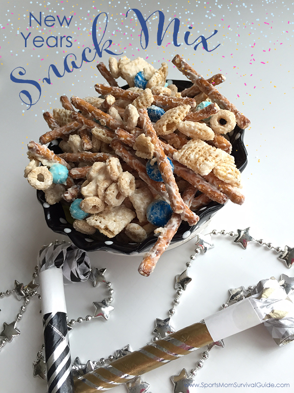 Easy New Years Snack Mix | 25+ NYE party ideas