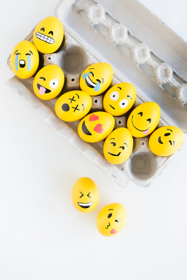 Emoji Easter Eggs | 25+ MORE ways to decorate Easter Eggs