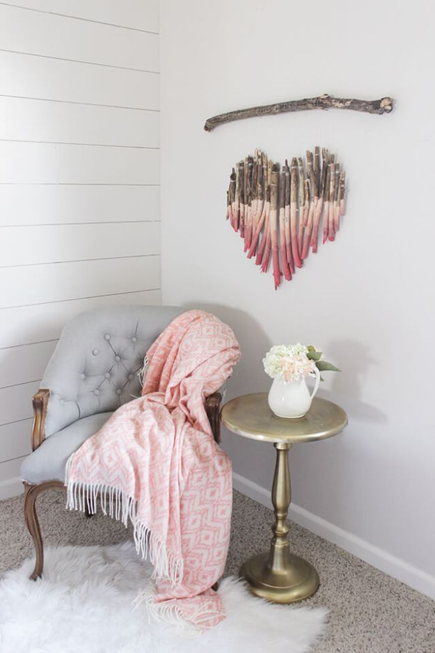 Cheap Wall Decor Ideas - Interesting Art Piece Using Tree Branches - Cute and Easy Room Decor for Teens - Ideas for Teenager Bedroom Walls - Boys and Girls Room Canvas Wall Art and Decorating #teen #roomdecor #diydecor https://diyprojectsforteens.com/cheap-diy-wall-decor-ideas
