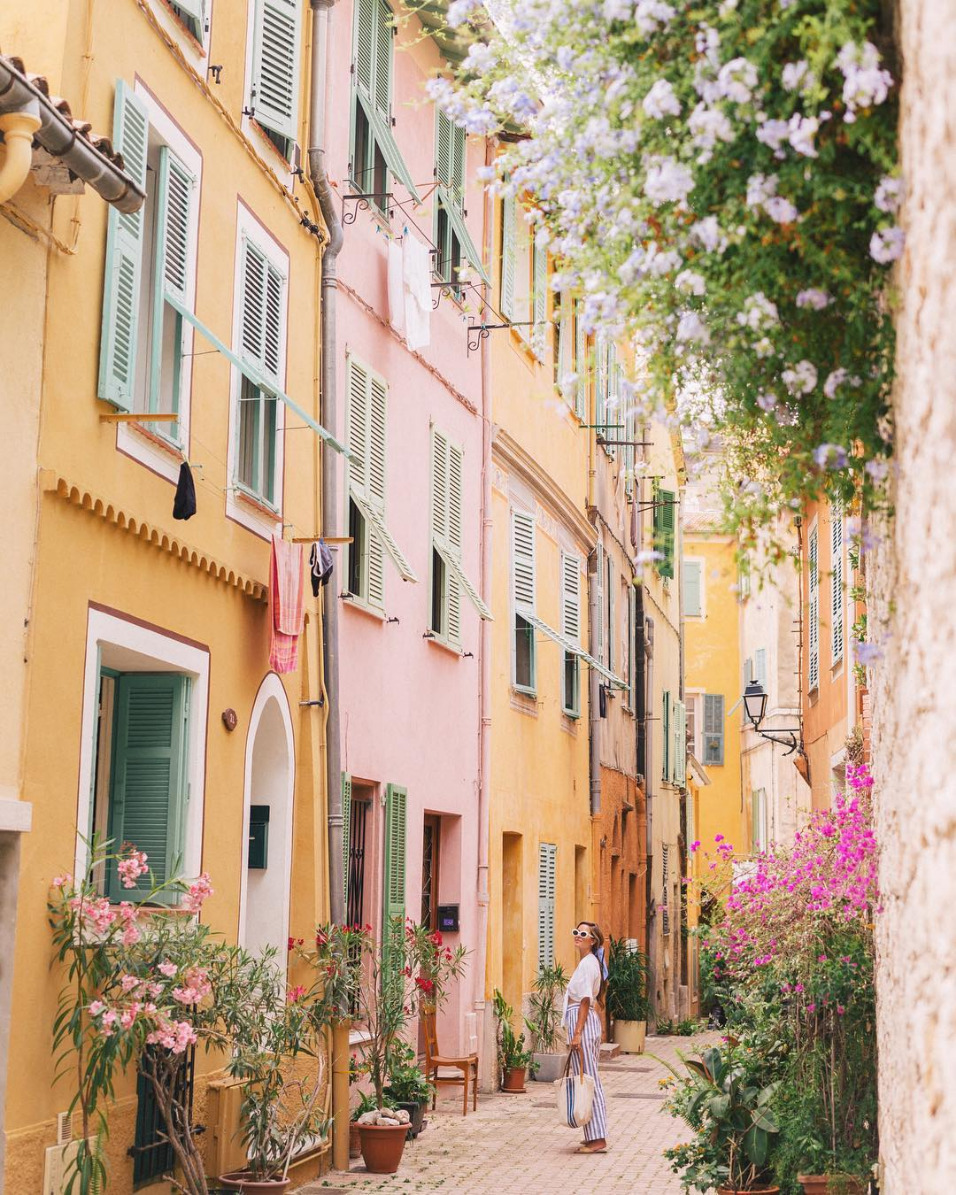 pastel homes south of france