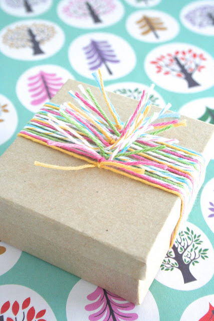 Knotted Yarn Gift Wrap | 25+ Creative Gift Wrap Ideas