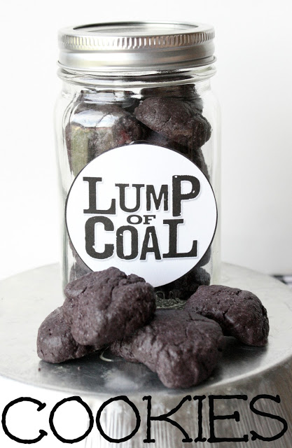 Lump of Coal Cookies | 25+ Edible Christmas Gifts