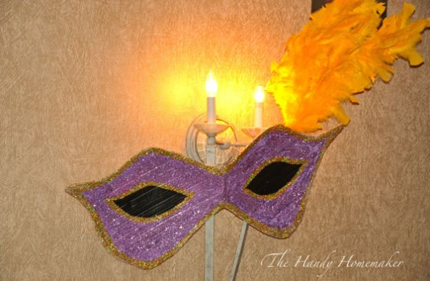 Creative Paper Mache Crafts - Masquerade Mardi Gras Mask Decorations - Easy DIY Ideas for Making Paper Mache Projects - Cool Newspaper and Paper Bag Craft Tips - Recipe for for How To Make Homemade Paper Mashe paste - Halloween Masks and Costume Tutorials - Sculpture, Animals and Ideas for Kids http://diyprojectsforteens.com/paper-mache-crafts