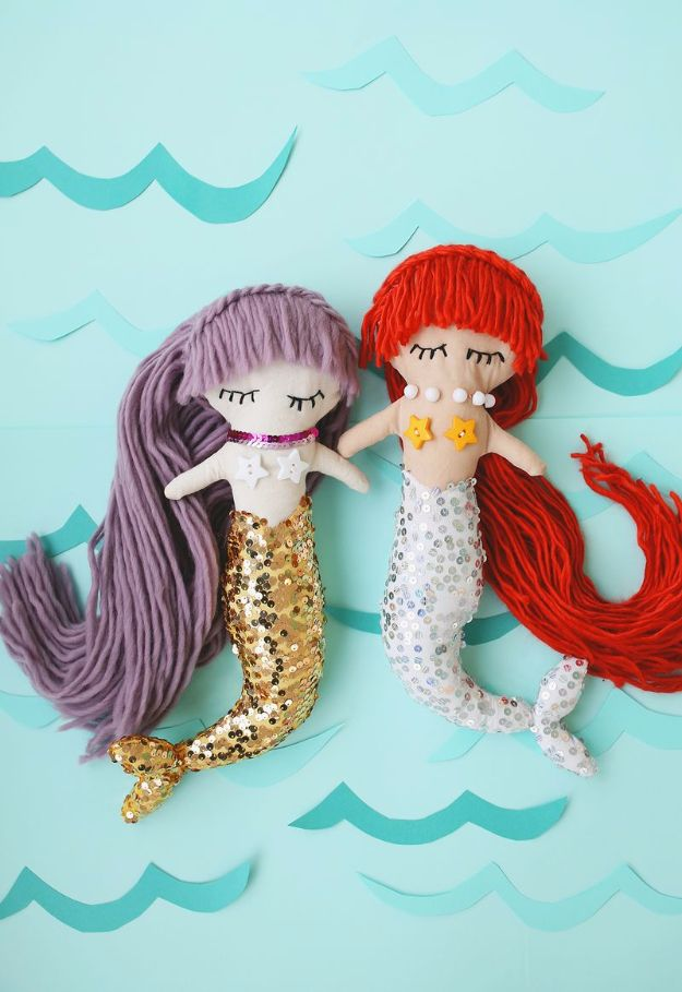 DIY Mermaid Crafts - Mermaid Plush Dolls - How To Make Room Decorations, Art Projects, Jewelry, and Makeup For Kids, Teens and Teenagers - Mermaid Costume Tutorials - Fun Clothes, Pillow Projects, Mermaid Tail Tutorial http://diyprojectsforteens.com/diy-mermaid-crafts