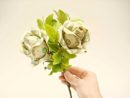 Money Flower Bouquet | 25+ MORE Creative Ways to Give Money