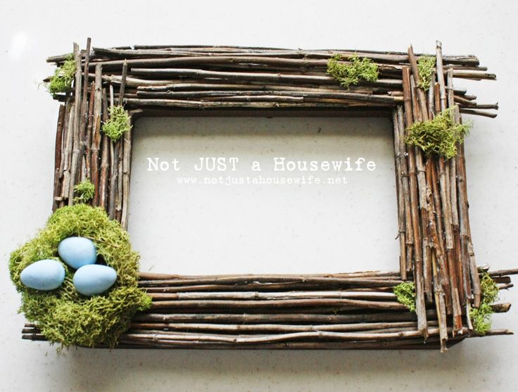 DIY Moss Frame 25+ Easter and Spring Decorations