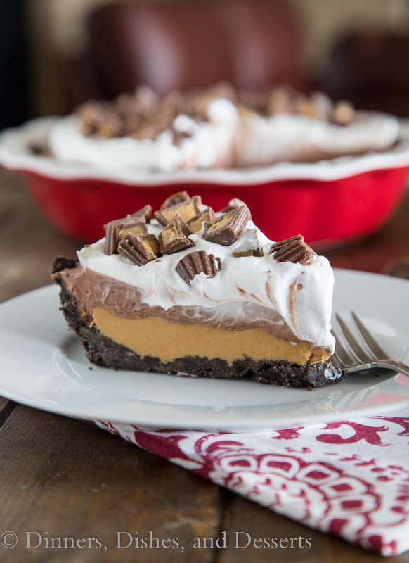 No Bake Peanut Butter Cup Pie | 25+ MORE Peanut butter and Chocolate desserts