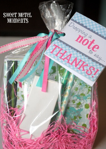 Note of Thanks + 25 Handmade Gift Ideas for Teacher Appreciation - the perfect way to let those special teachers know how important they are in the lives of your children!