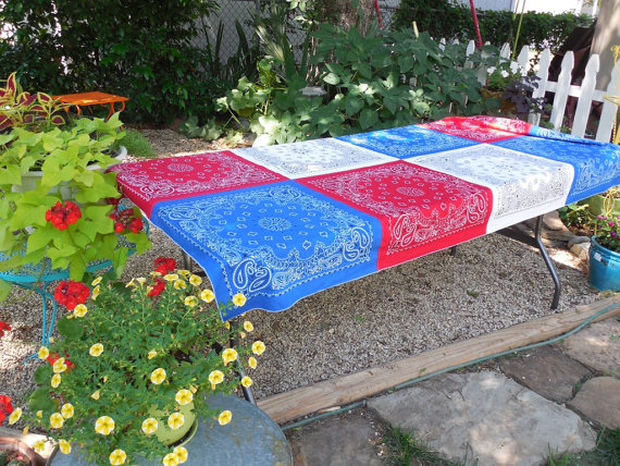 Patriotic Bandana Tablecloth | 25+ 4th of July Party Ideas