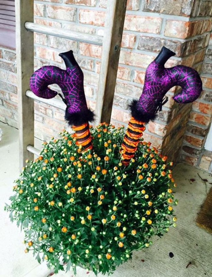DIY Wicked Witch Legs Halloween Front Lawn Bush Decor