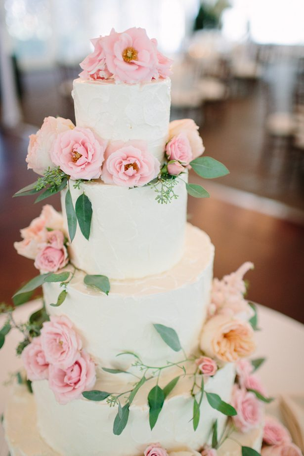 Romantic Floral Wedding Cake - Photography by Justine Bursoni