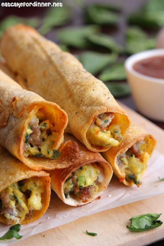 Sausage Spinach and Egg Breakfast Taquitos | 25+ Spinach Recipes
