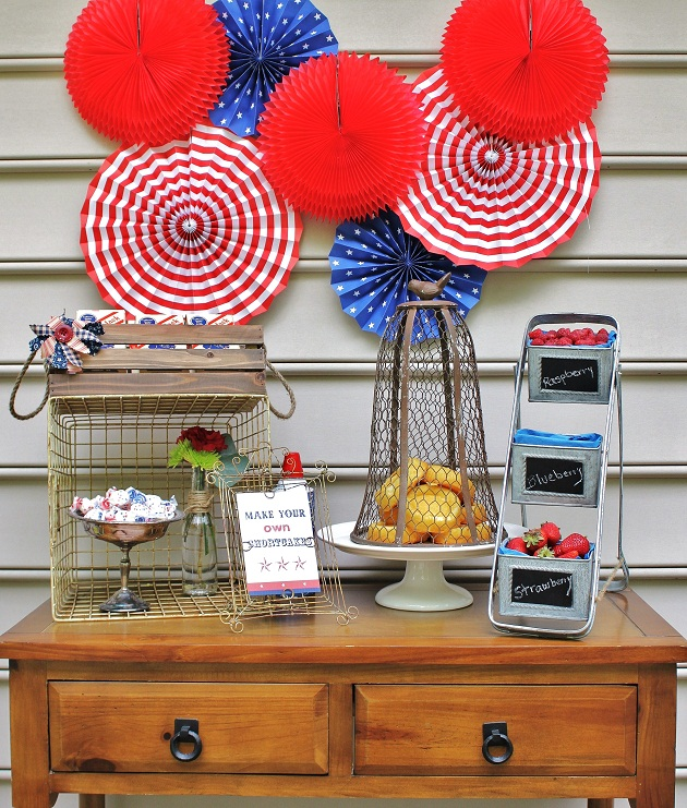 Shortcake Station | +25 4th of July Party Ideas