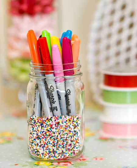 DIY colorful craft room decor to display sharpies | 25+ Sharpie Crafts