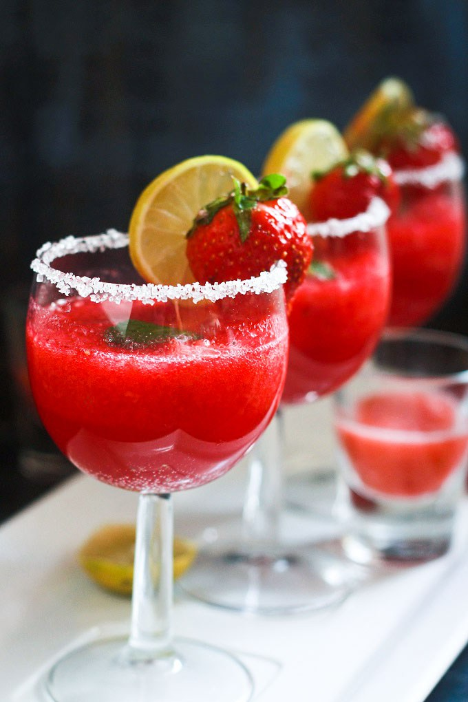 Strawberry Punch | 25+ Non-Alcoholic Punch Recipes